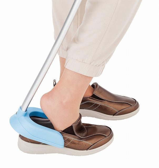 自立する靴べら ファミカ・シューヘルパー