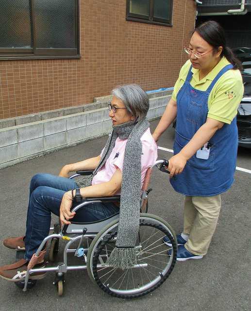 秋冬の時期、車椅子のヒヤリハット