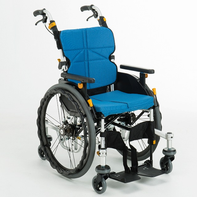 松永製作所 6輪車椅子 ネクストコア‐くるり